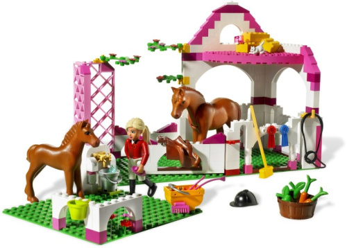7585-1 Horse Stable